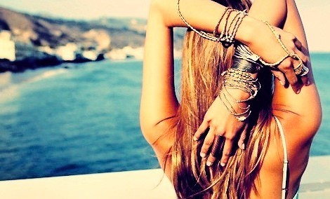 summer,fd,hands,people,bracelets,girl-4f0f22331b7e3f397ba5ccc0e7e2a9dd_h