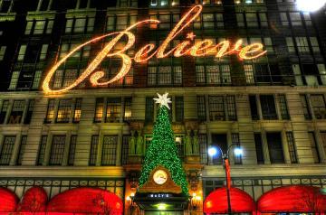 macys-2010-christmas-slogan-randy-aveille